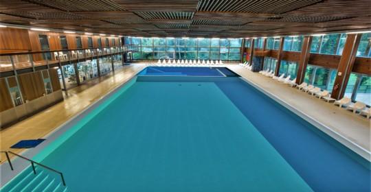 Curarsi galleggiando: alle Terme di Cervia  la nuova piscina termale più salata del Mar Morto